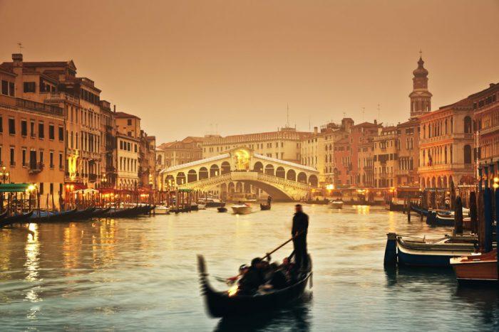 Венеція-700x467