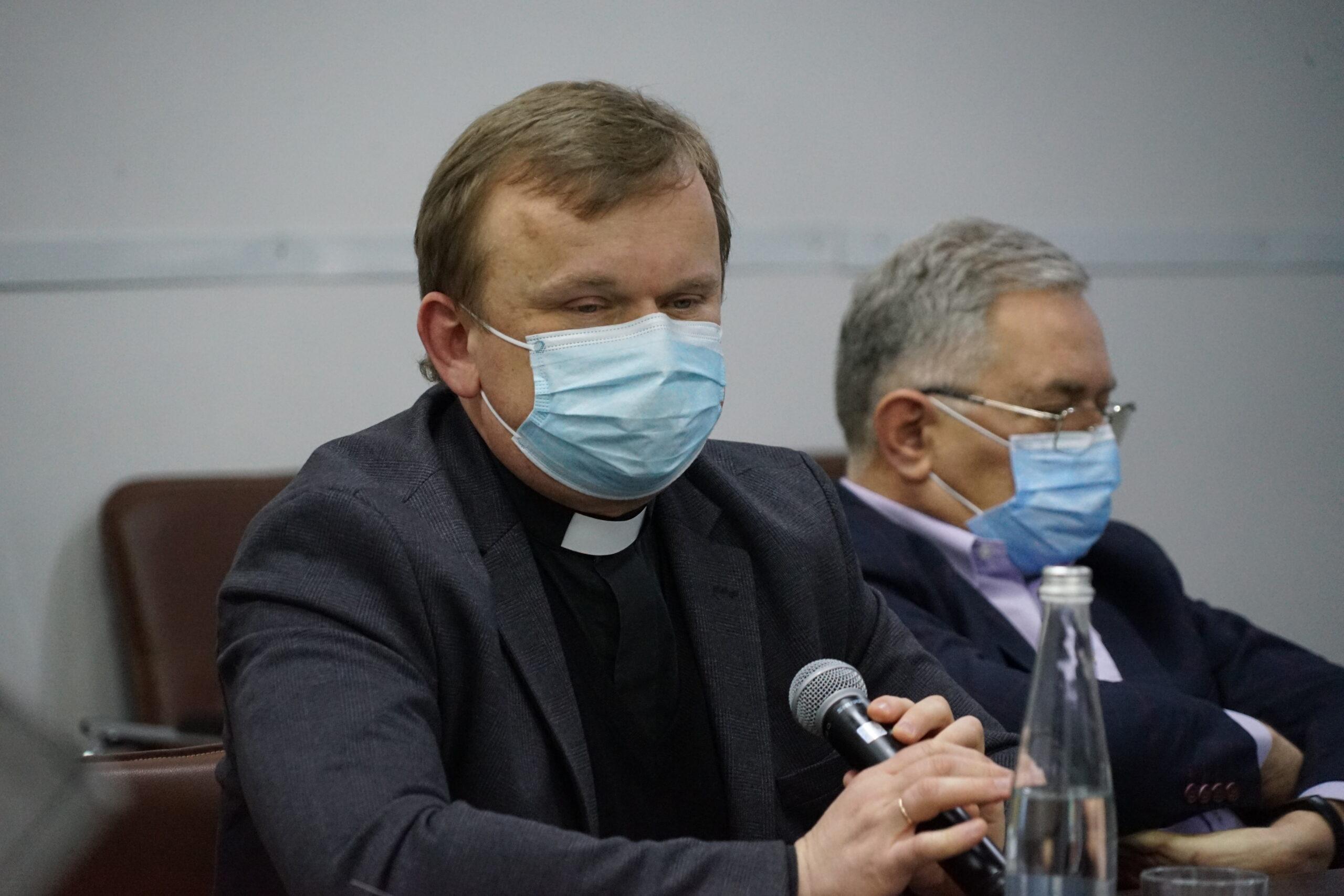 Перспективи розвитку медичного капеланства в Україні обговорили під час круглого столу у Львові_19
